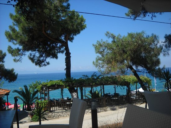 Esperia : view of the beach
