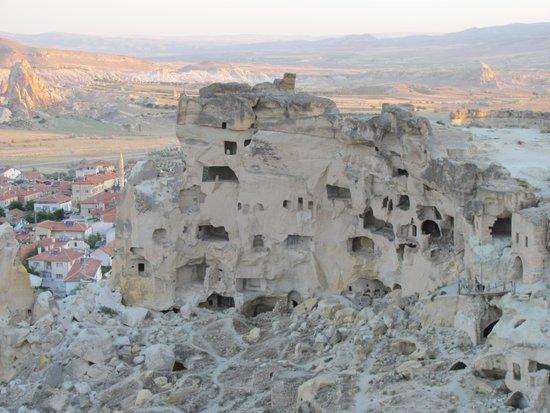 Guven Cave Hotel: Castle