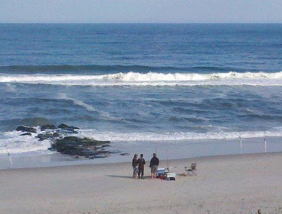 Spray Beach Inn: Watching the fishermen from the balcony