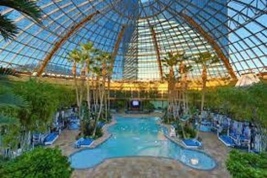 Domed pool picture of harrah 39 s resort atlantic city for Pool show in atlantic city
