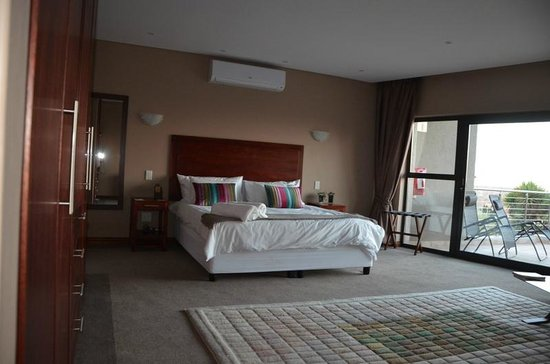 Over The Moon Guesthouse : Bedroom 5