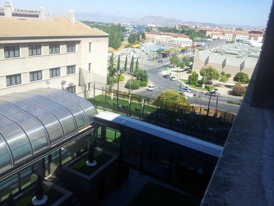 Sercotel Gran Hotel Luna de Granada : Piscina climatizada, pádel y solárium 2