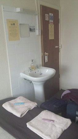 Coco Beach Hotel: Room 8