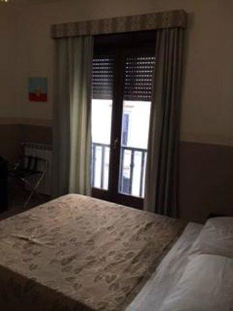 Santa Maria Inn : Stanza matrimoniale