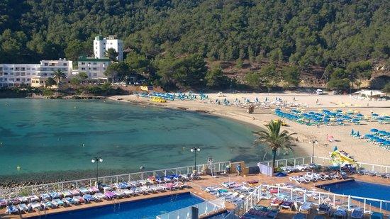 Sirenis Cala Llonga Resort: Overlooking from Hotel
