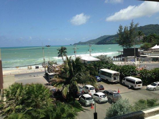B-Lay Tong Phuket: Sit back and Enjoy the Waves...