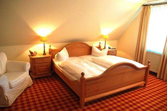 Hotel Schwanefeld: Bett