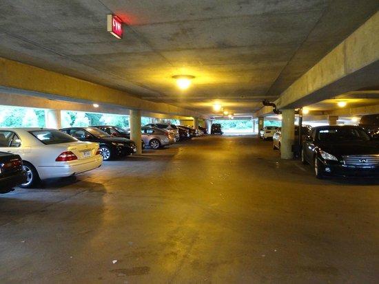 Hilton Alexandria Mark Center : Parking garage.