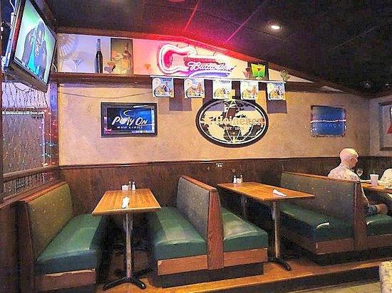 Sal S Italian Restaurant Bar Area