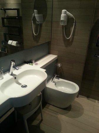 Lafodia Hotel & Resort : bath