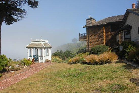 The Elk Cove Inn & Spa: Grounds