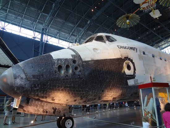 space shuttle discovery hazy - photo #16