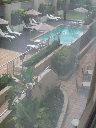 Holiday Inn Express Durban - Umhlanga: View from room of pool area
