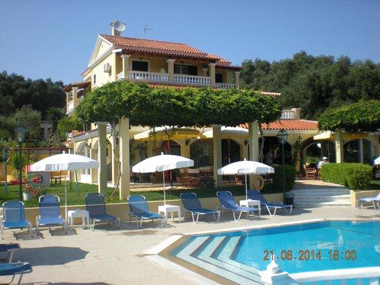 rose garden apartments hotel pool bar frommpool area - Rose Garden Apartments