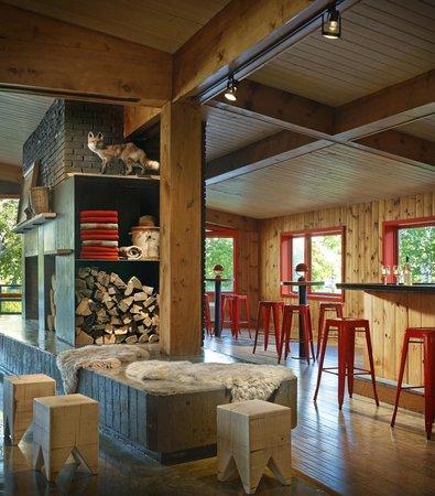 Lake House: The Bar