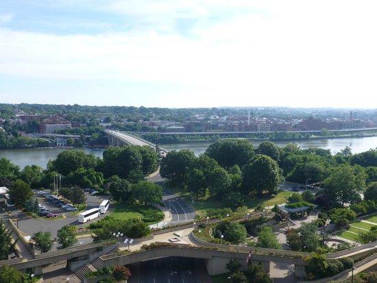 Holiday Inn Rosslyn @ Key Bridge: Looking towards Georgetow from the 13th floor