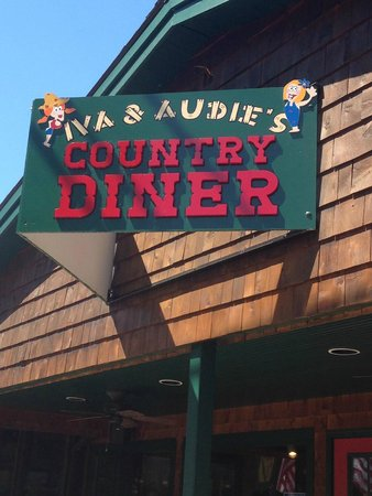 Audie & Ina's diner: Take as we were leaving without eating after waiting for 50 minutes!