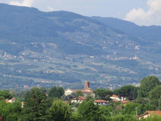 BEST WESTERN Grand Hotel Guinigi: View from room balcony