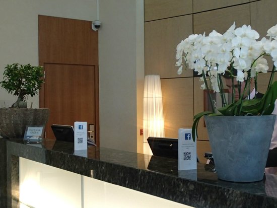 Crowne Plaza Hotel Brussels Airport: FO desk