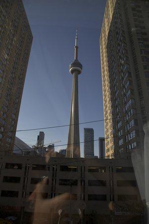 Radisson Admiral Toronto Harbourfront : Blick aus dem vierten Stock des Hotelzimmers