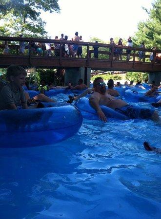 Splish Splash: lazy river