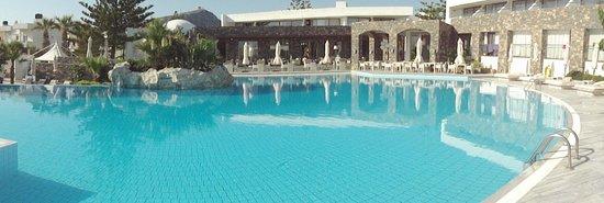 The Island Hotel: main pool area -beautiful
