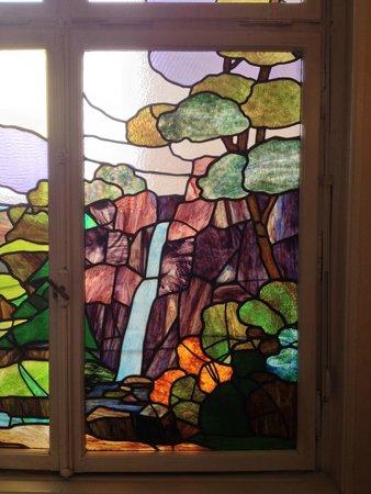 Best Western Grand Hôtel Bristol : stained glass windows in the stairwell