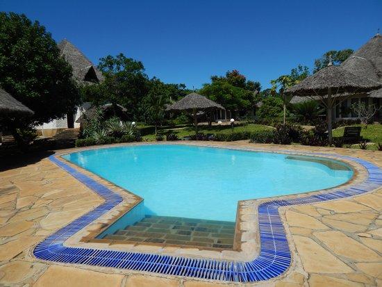 Kinondo Poa: Pool