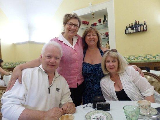 Villa Euchelia Resort : Anne Marie - Cynthia & friends