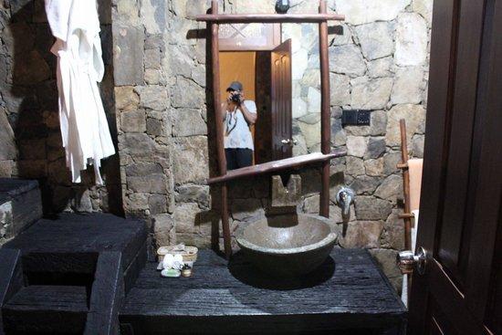 98 Acres Resort and Spa : Bathroom
