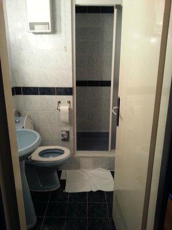 Hotel Central: bath