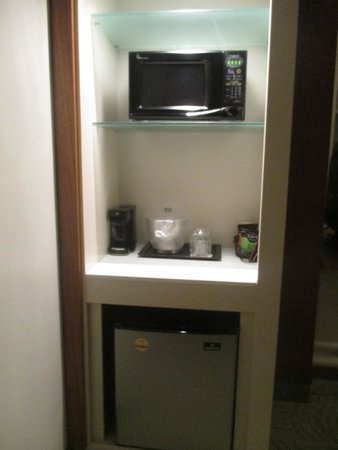 SpringHill Suites Columbus OSU: Convenient fridge and microwave