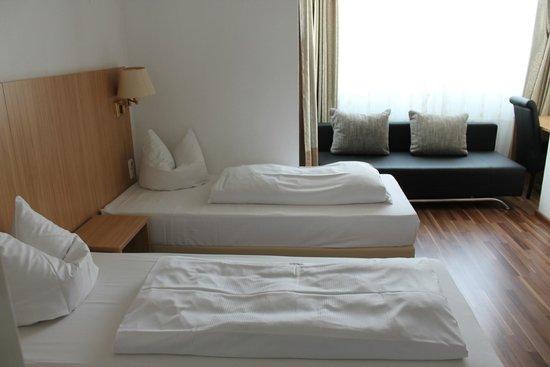 Hotel Bellevue: Dreibettzimmer