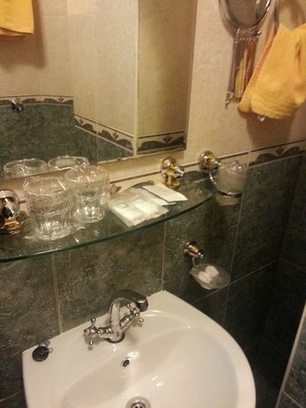 Hotel Villa Diana: bath