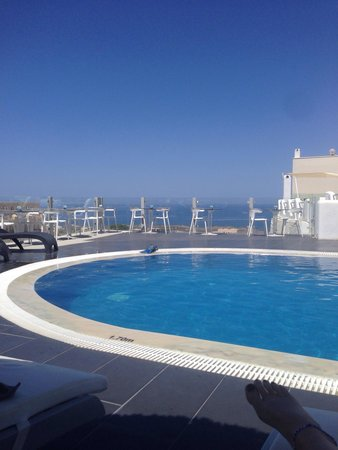 Callia Retreat : View of the sea from the pool area