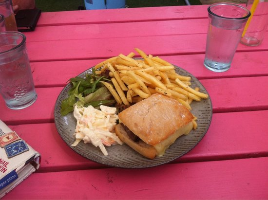 The Bothy: Roast beef n chutney n chips lovely food