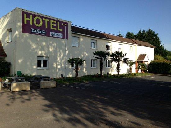 Garden Hotel : facade