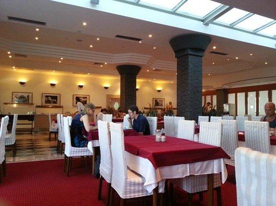 Hotel Petka: Breakfast room