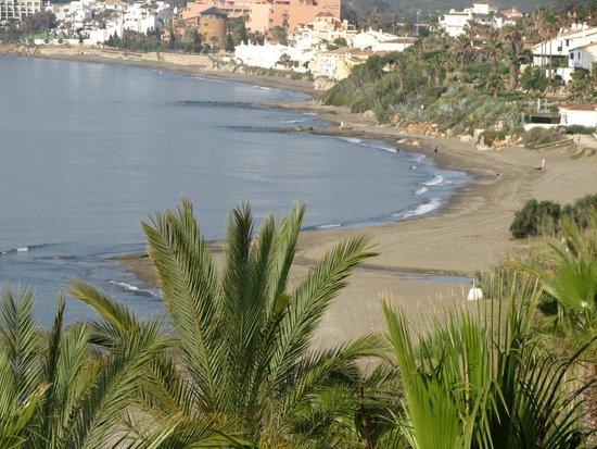 H10 Estepona Palace : Playa precisoa