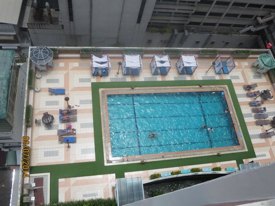 Evergreen Place Bangkok: Pool View from our 18th floor