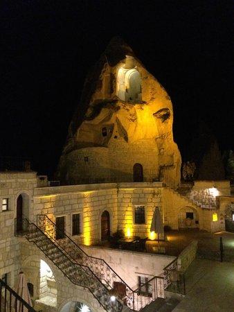 Cappadocia Cave Suites: Night View