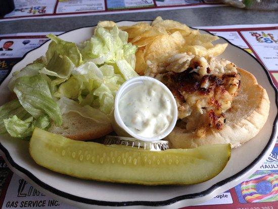 Lincoln Diner: Crabcake sandwich