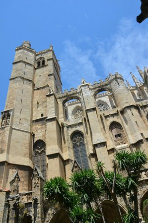 Cathédrale Saint-Just : собор снаружи