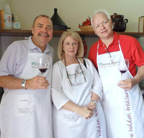 Mamma Agata - Cooking Class: Enjoying wine with class