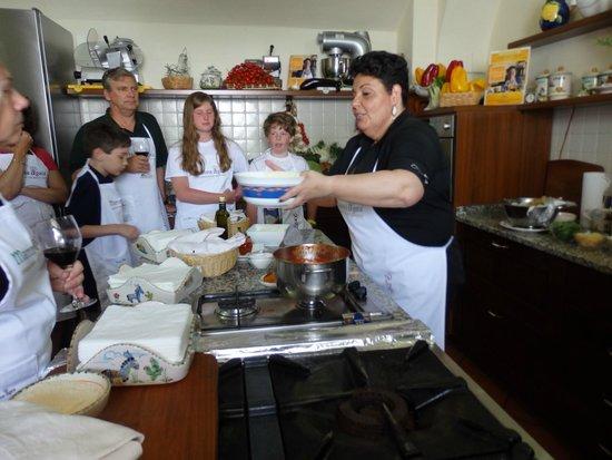 Mamma Agata - Cooking Class: Chiara cooking