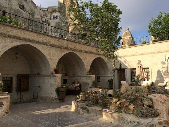 Cappadocia Cave Suites: Garden
