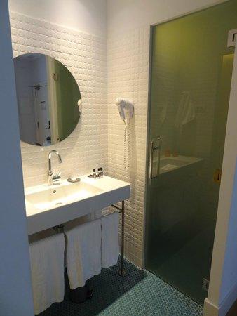 Hotel One Shot Prado 23: Banheiro