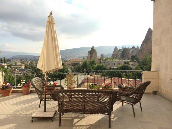 Cappadocia Cave Suites: Outdoor Balcony