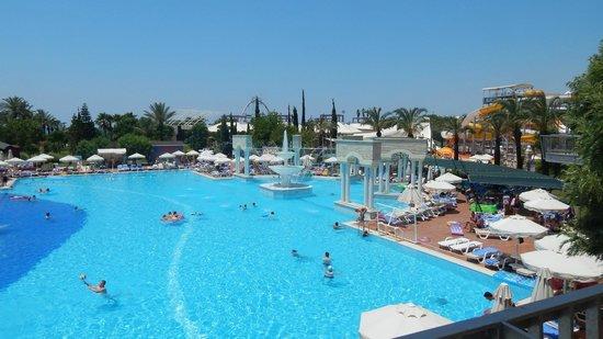 Pegasos World Hotel: skøn poolområde