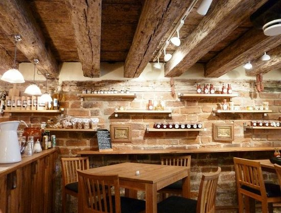 The Hairy Pig Deli: Inside dining area